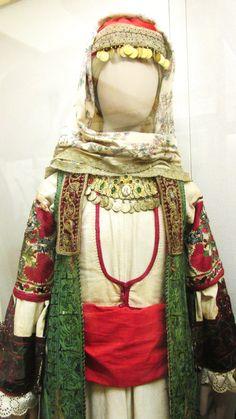 Παραδοσιακή Μενιδιάτικη φορεσιά(Εθνικό Ιστορικό Μουσείο,Αθήνα)/Traditional costume from Menidi,Αttica,Greece(National-Historical Museum of Αthens)
