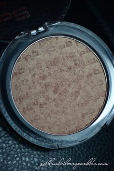 p2 Feel Good mineral compact blush - read my review here (or click on the photo): http://www.goldandsilversparkles.com/2012/11/p2-feel-good-mineral-compact-blush.html #beautyblog #blogs #cosmetics #review