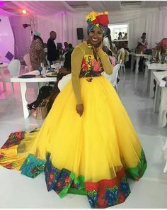 Look at these traditional african fashion 7812 Latest African Styles, Latest African Fashion Dresses, African Men Fashion, African Beauty, Africa Fashion, Ethnic Fashion, African Women, African Print Dress Designs, African Print Dresses