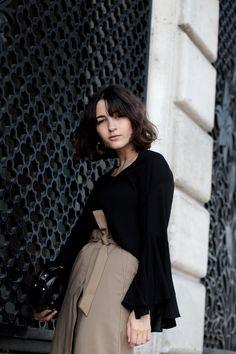 Black Trumpet Sleeve Blouse & beige wrap-around skirt Kiomi - Anais Eleni Fashion Blog