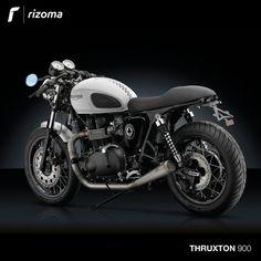 Rizoma Accessory Line for Triumph® Thruxton Cafe Racer Girl, Custom Cafe Racer, Bmw Cafe Racer, Cafe Racer Build, Cafe Racer Motorcycle, Classic Motorcycle, Triumph 900, Triumph Thruxton 900, Triumph Bonneville