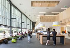 Image 35 of 36 from gallery of James Cook University / Wilson Architects + Architects North. Photograph by Wilson Architects James Cook, School Architecture, Interior Architecture, Interior Design, Hall Interior, Learning Spaces, Learning Environments, Student House, School Building