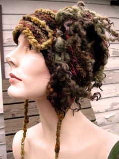 freeform creation by 'girlwithahook' on Etsy