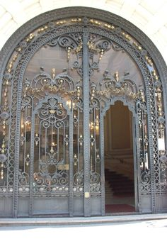 Lovely Wrought Iron Door In Madrid Spain Spain Janelas Portas Cool Doors, Unique Doors, Art Nouveau, Door Knockers, Door Knobs, Wrought Iron Doors, Metal Doors, Glass Doors, Porte Cochere