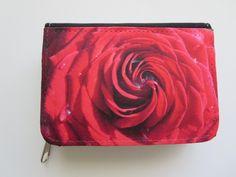 """Portemonnaies - Geldbörse """"Rote Rose"""" - ein Designerstück von Fotokartenundmehr bei DaWanda. http://de.dawanda.com/product/84399523-geldboerse-rote-rose"""