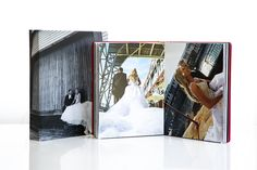 At Manuel Vicente our wedding and family albums are known for the way they impress, with their individual design, textures and high quality workmanship.