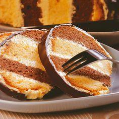 Egy finom Méteres kalács másképp ebédre vagy vacsorára? Méteres kalács másképp Receptek a Mindmegette.hu Recept gyűjteményében!