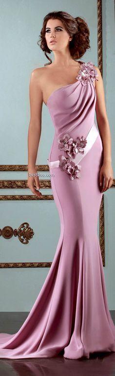 color muy bonito y look muy elegante