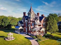 Unique Architecture, Historical Architecture, Victorian Style Homes, Victorian Interiors, Victorian Houses, Findlay Ohio, Storybook Homes, Slate Roof, Modern Mansion