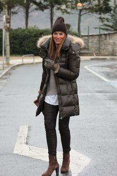 "52 Lovely Winter Dress Ideas For Teens Ideas The best method to explore new fashion and become dressed in the winter season is to receive practical animal prints […]""}, ""http_status"": window. Fall Winter Outfits, Winter Wear, Autumn Winter Fashion, Casual Winter, Winter Style, Best Winter Jackets, Winter Coats Women, Outfit Invierno, Western Dresses"