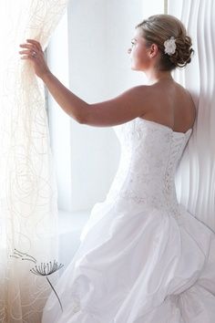 Beautiful wedding dresses on pinterest bouquets brooch for Wedding dresses for cruise ship