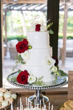 3 tier round wedding cake with red and white roses on a silver platter created by Cakes to Celebrate! 3 Tier Wedding Cakes, Wedding Cake Red, Round Wedding Cakes, Red Rose Wedding, Wedding Cake Stands, Beautiful Wedding Cakes, Wedding Cake Toppers, Beautiful Cakes, Bird Cake Toppers