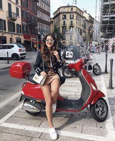 (notitle) - Scooters N Stuff - Motorrad Scooter Girl, Mod Scooter, Vespa Girl, Piaggio Vespa, Lambretta Scooter, Vespa Scooters, Lady Biker, Biker Girl, Moda Rock