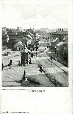 Sør-Trøndelag fylke Trondheim  Trondhjem, Indherredsveien. Fint høyformat ved kryss Utg A Holbæk Eriksen