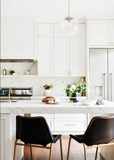 5 NEW Kitchen Trends We're Seeing and Loving (and Some We're Doing Right Now) - Emily Henderson Emily Henderson Updated Kitchen Trends 2018 Thick Countertops Interior Desing, Interior Design Kitchen, Modern Interior, White Kitchen Interior, Room Interior, Updated Kitchen, New Kitchen, Kitchen Ideas, Kitchen Inspiration