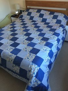 A king size, patchwork quilt. My latest finish. Lap Quilts, Strip Quilts, Diy Pillow Covers, Bed Covers, Quilt Block Patterns, Quilt Blocks, Sheet Curtains, Bed Cover Design, Designer Bed Sheets
