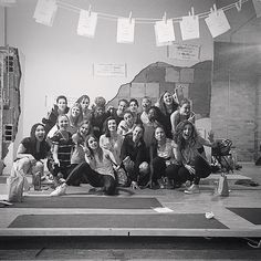 A little later, I'm going to share my thoughts from this weekend at the #dreamsetmakeworkshop but first, I wanted to share this group shot via @courtneyromano because I think everyone who was there can agree, it was truly an inspiring time & it feels great to know: there are more ladies like us out there. 😘✌🏽️via @familiarfox #goodvibesonly #ladymakers #dreamsetmake #girlrising #changetheratio #makersgonnamake #girlgang #findyourtribe #collaboratedonthate #eventbrite #abmlifeisbeautiful…