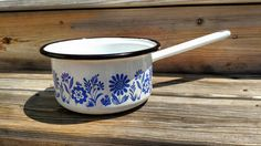 Enamelware Pot or Saucepan with Handle, White with Blue Flowers, Vintage Kitchenware, Retro Camping Gear, Glamping, Cookware