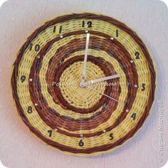 Поделка изделие Валентинов день Плетение Опять часы и сердечко Бумага газетная фото 1