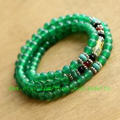 Hey, I found this really awesome Etsy listing at https://www.etsy.com/es/listing/127867356/natural-green-jade-108-10mm-meditation