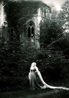 For Fiora  Vintage Visions - Małgorzata Maj / Sarachmet
