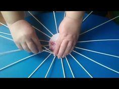 Kosárfonás papírból 3. - Szoros alap fonása - YouTube Sun Paper, Papercrete, Diy Storage, Journal, Newspaper, Weaving, Basket, Origami, Youtube