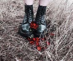 Combat boots // Maeve @wastelandsaga