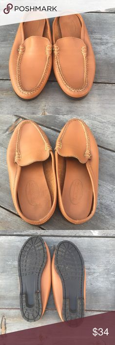 TALBOTS SLIP ON SHOES TAN LEATHER SZ 8 TALBOTS SLIP ON SHOES TAN LEATHER SZ 8-GOOD CONDITION Talbots Shoes Mules & Clogs