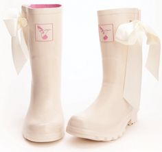 Funky winter wedding boots.