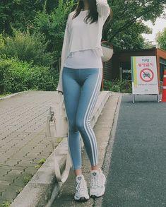 ( *`ω´) ιf you dᎾℕ't lιkє Ꮗhat you sєє❤, plєᎯsє bє kιnd Ꭿℕd just movє ᎯlᎾng. Leggings Fashion, Fashion Pants, Women's Leggings, Girl Fashion, Womens Fashion, Tights, Fashion Drug, Men Street Look, Street Style Women