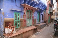 Jodhpur Man in a Blue City. Photo by Jolly Sienda, Jodhpur, India.