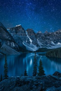 A Sky of Stars ... a view of Lake Moraine and the Valley of Ten Peaks, Banff National Park, AB, Canada | by Andrey Popov