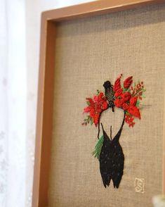 사진!!! 한 수 배우다.... . #Embroidery #handmade #프랑스자수 #르네그뤼오일러스트 #사진찍기 #자수타그램 #힐링자수