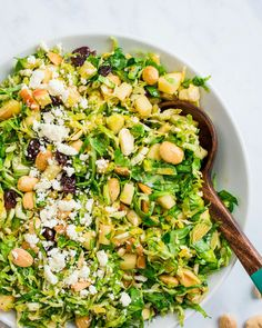 This Brussels sprout salad recipe has the best fresh flavor and zingy dressing! Pair with apple, almonds and cherries for a simple side dish. #brussels #brusselsrpouts #brusselsproutsalad #brusselssproutssalad Brussels Sprout, Brussel Sprout Salad, Side Dishes Easy, Side Dish Recipes, Couple Cooking, Vegetarian Cookbook, Sprouts Salad, Salad With Sweet Potato, Sprout Recipes