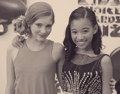 Willow Shields & Amandla Stenberg at the 2012 Kids' Choice Awards