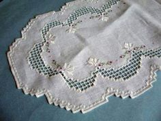 Hardanger Embroidery - Hilo embroidery