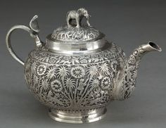 A COLONIAL INDIAN SILVER TEA POT . Maker unknown, probably Lucknow, India, circa 1890 . Unmarked. 5 x 8 inches
