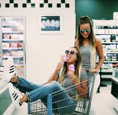 best friend picture ideas! Instagram:v.allynn