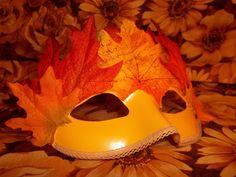 DIY Fall Leaf Halloween Harvest Festival Mask - finished :-)