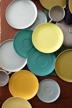 mustard and teal - color inspiration   Which I'm in the process of doing... In every single room go our house lol