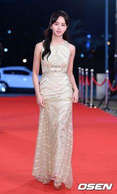 Thảm đỏ KBS Drama Awards: Dàn sao Hậu duệ mặt trời đổ bộ, Song - Song sáng nhất đêm nay - Ảnh 17.