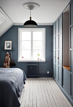 Lundin Fastighetsbyrå - Kålltorp - i toppskick Attic Master Bedroom, Attic Bedrooms, Dream Bedroom, Home Bedroom, Bohemian Living Rooms, Interior Design Living Room, Simple Interior, New Homes, Decoration
