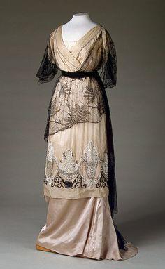 Evening dress 1910's