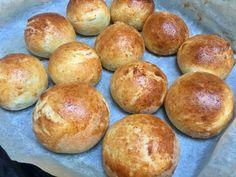 Verdens beste glutenfrie boller? Nutella, Hamburger, Bread, Snacks, Baking, Recipes, Food, Appetizers, Bakken