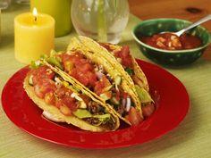 Gefüllte Taco-Shells mit Tomatensalsa und Hackfleisch ist ein Rezept mit frischen Zutaten aus der Kategorie Salsa. Probieren Sie dieses und weitere Rezepte von EAT SMARTER!
