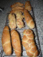 Rohlíky jak od pekaře Pizza Dough, Hot Dog Buns, Sausage, Sandwiches, Food And Drink, Meat, Cooking, Recipes, Program
