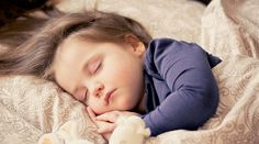 Getting enough sleep each day helps create healthy, happy children. Children who do not get enough sleep are at risk for behavior problems and struggling academically. Lack of sleep in children. Toddler Sleep, Kids Sleep, Baby Sleep, Child Sleep, Can't Sleep, Toddler Travel, Sleep Fast, Sleep Early, Sleep Tight