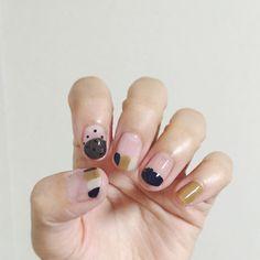 Photo from yuqico Nail Polish Designs, Nail Polish Colors, Nail Art Designs, How To Do Nails, My Nails, Rose Gold Nail Polish, Nail Place, Striped Nails, Diy Manicure