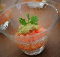 Tartar de salmão com guacamole  Fingerfood | Menu João Fernandes  [ Arte Búzios Gastronomia ]