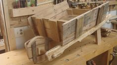 How to make a garden wheelbarrow from a wooden pallet